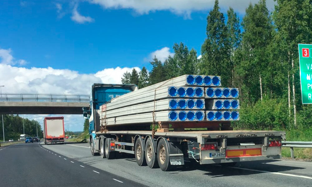 Movella: Applications - Concrete Element Industry - Concrete slabs on road
